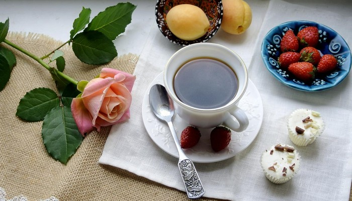 кофе клубника абрикосы
