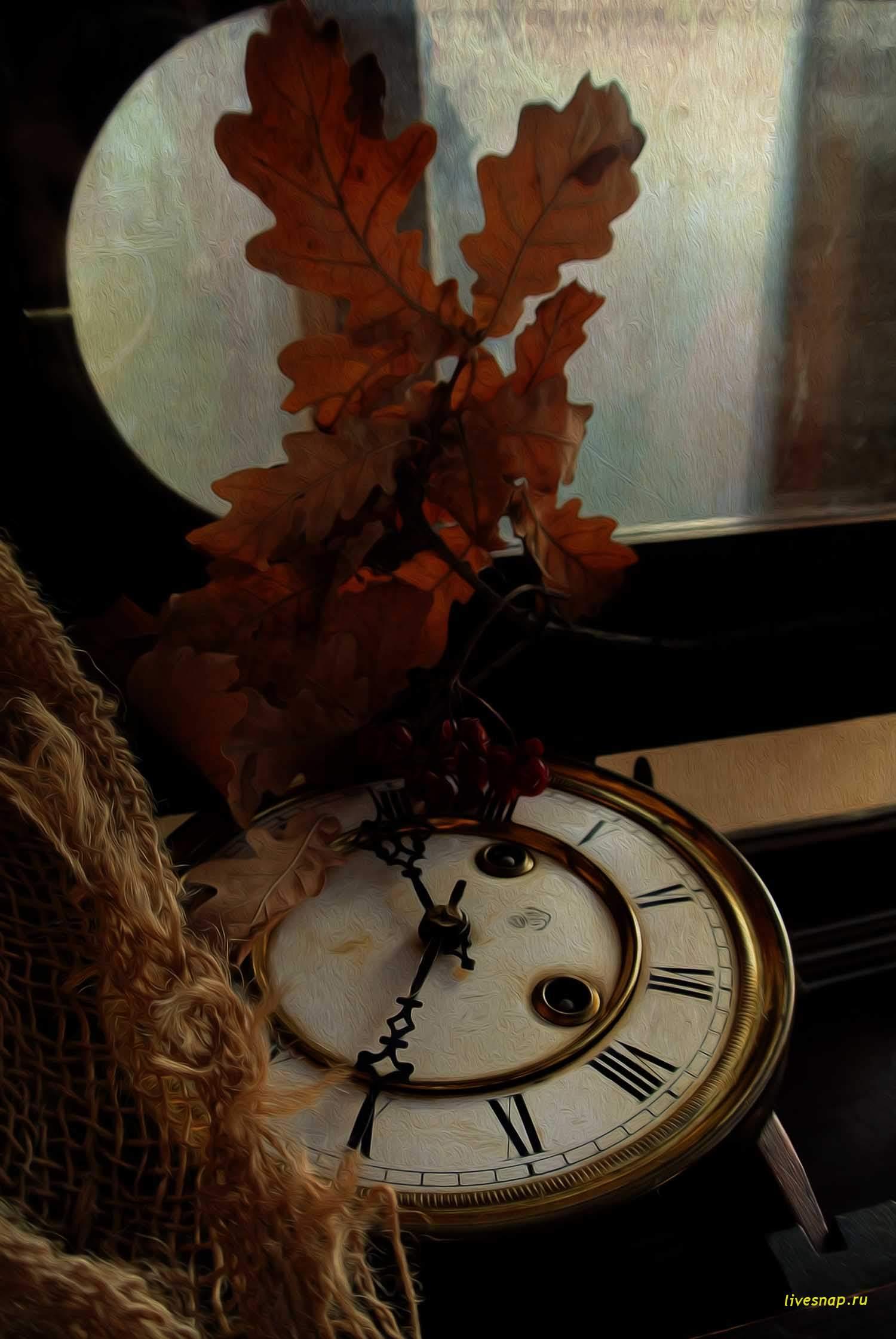 старинные часы, но не идут
