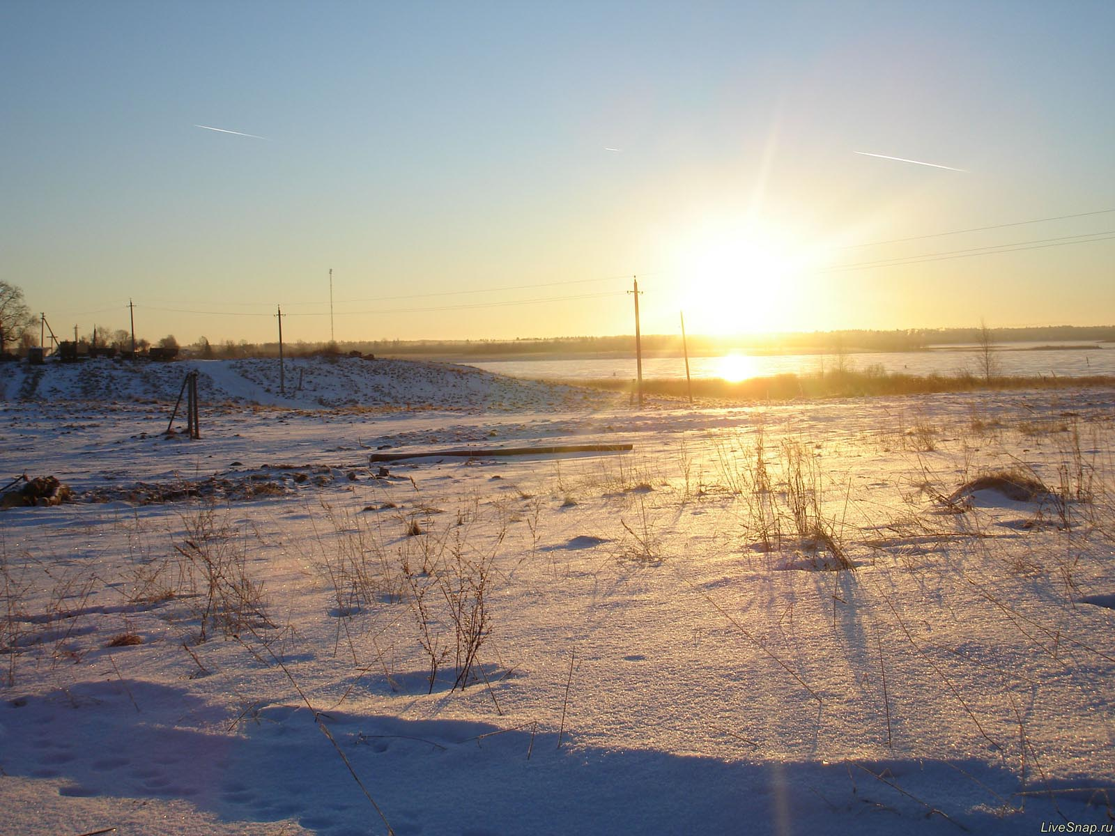зимнее солнце  Деревня