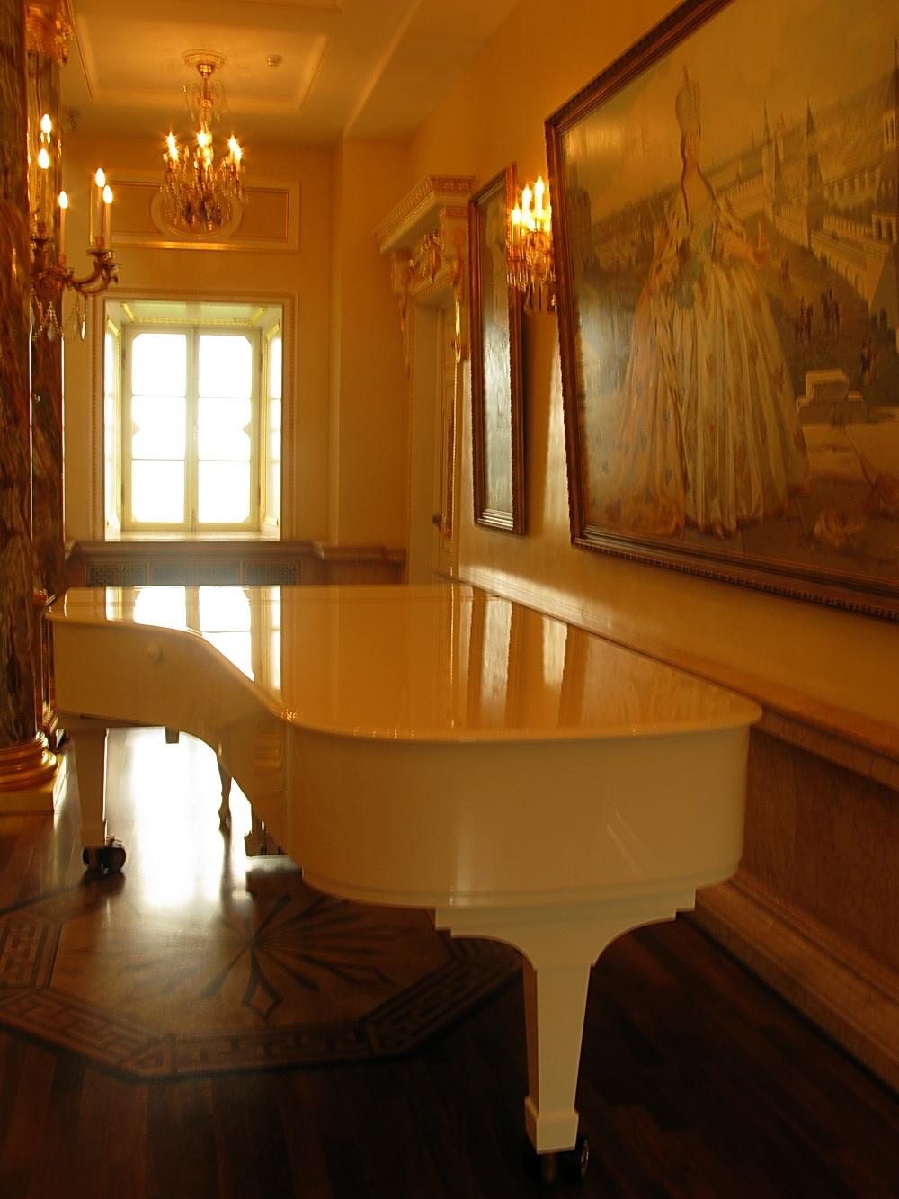 белый рояль  Музей